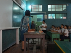 Easterine Kire interacting with Sub Junior students
